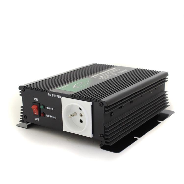 Měnič napětí Elta 12V / 230V 600W